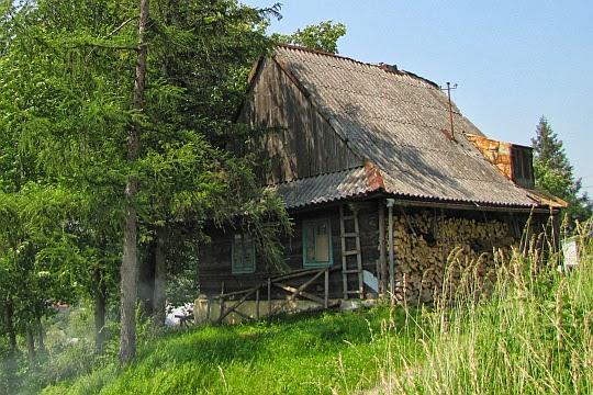 Drewniane domy na stokach Żabiej.