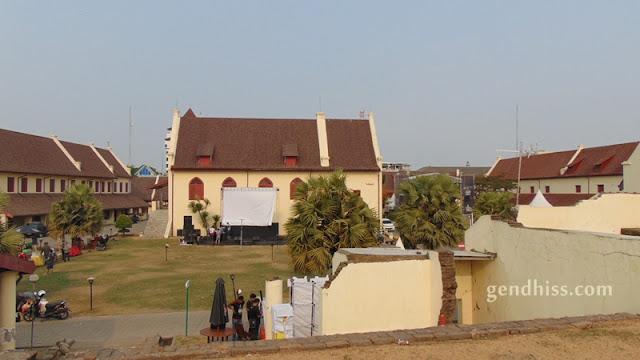 Bangunan di dalam benteng Fort Rotterdam
