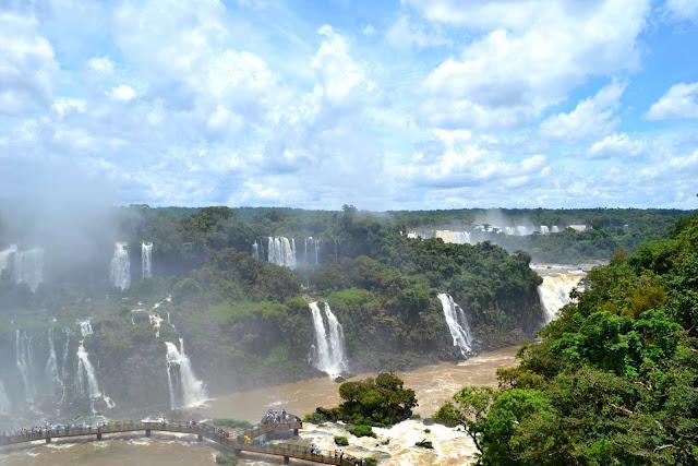 Brésil, chutes d'iguaçu, iguazu, cascades