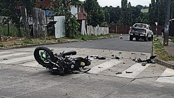 Fatal colisión entre camioneta y motociclista en La Unión