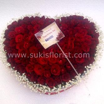 toko-bunga-sidoarjo-jual-mawar-bentuk-love