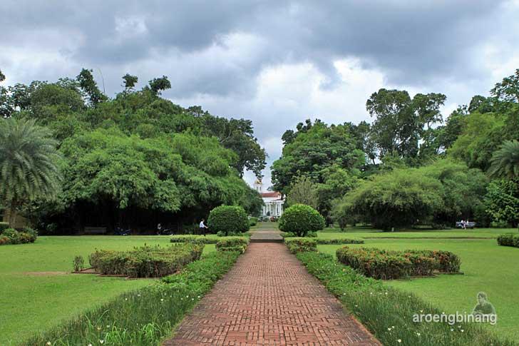 monumen teijsmann kebun raya bogor