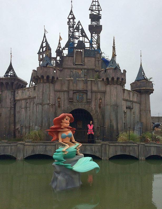 Dismaland de Banksy es una version de pesadilla de Disneyland