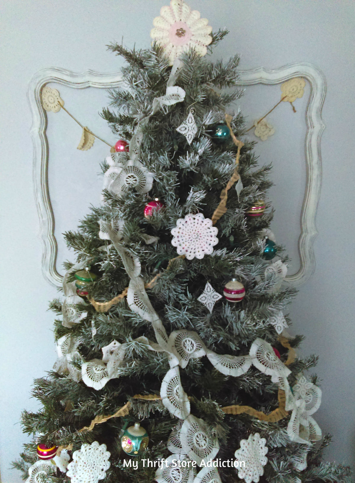 Rustic romantic Christmas decor