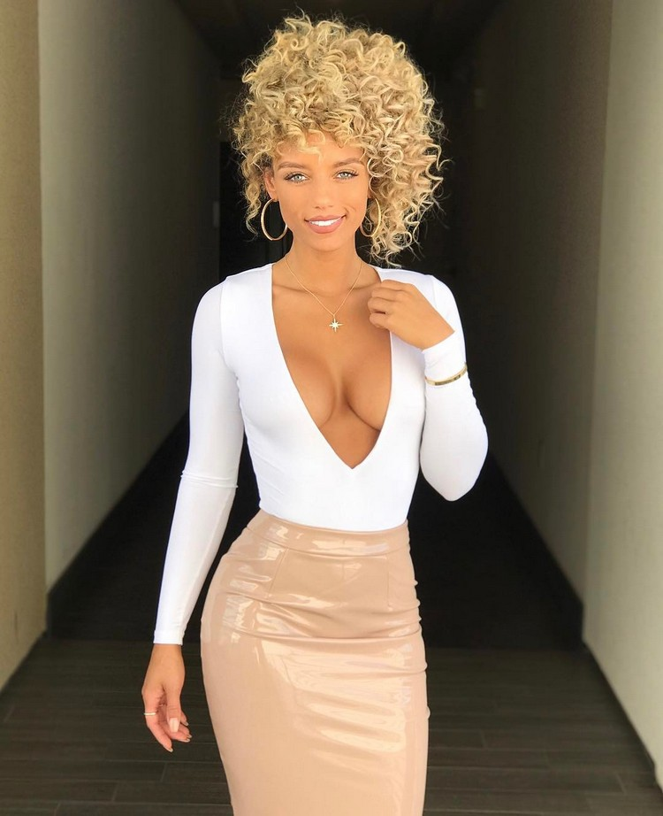 Jena Frumes, an ambitious bomb Fitness Model 0009
