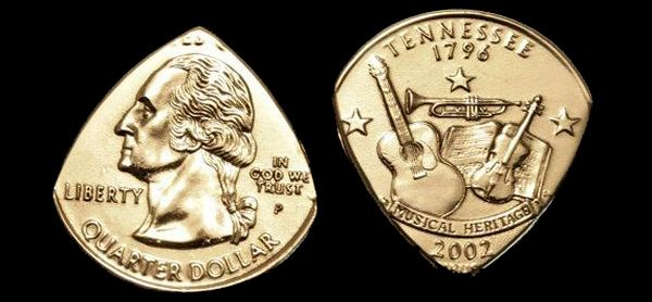 Púas de Guitarra Hechas con una Moneda