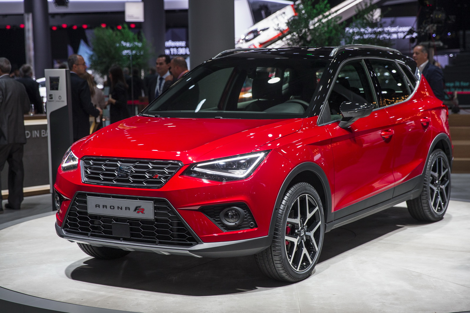 2018 seat arona compact crossover revealed in barcelona. Black Bedroom Furniture Sets. Home Design Ideas