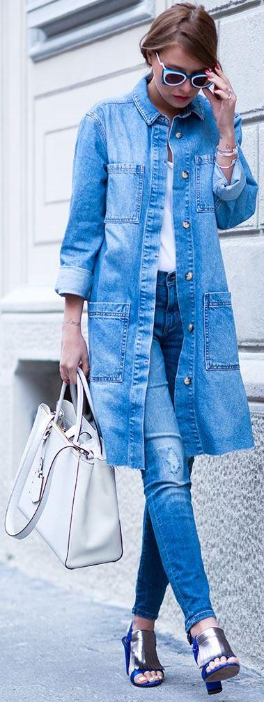 fashionbale denim outfit idea / long jacket + bag + tee + rips + heels