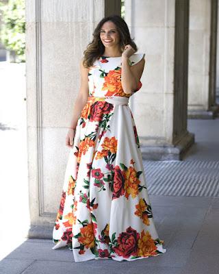 vestido largo blanco con flores de primavera