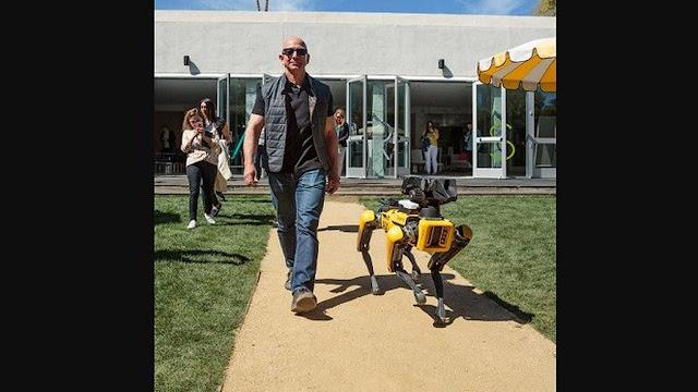 Super Tajir, Ini 4 Hal Nyeleneh yang Dilakukan Jeff Bezos