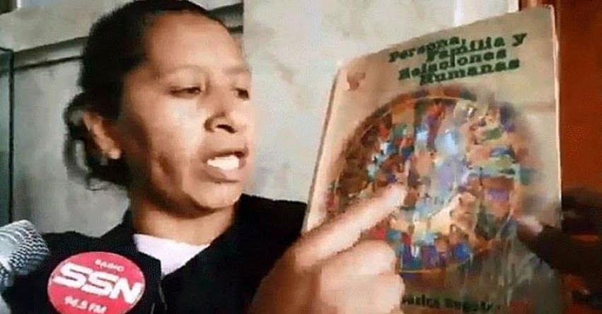 Colectivo «Con mis hijos no te metas» de Cusco, amenazan quemar libros del Estado que contengan enfoque de género [VIDEO]