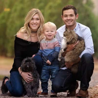 Kyle Larson with his kids and wife