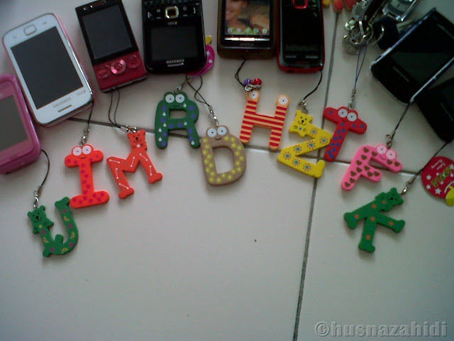 alphabet phone chain