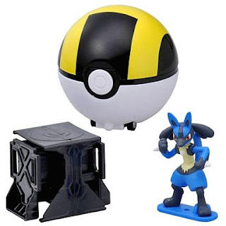 Lucario figure super size in Takara Tomy Pokemon Super Getter Lucario Set