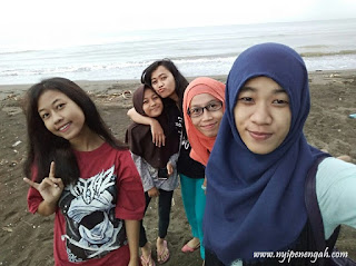Pantai Sigandu Kabupaten Batang