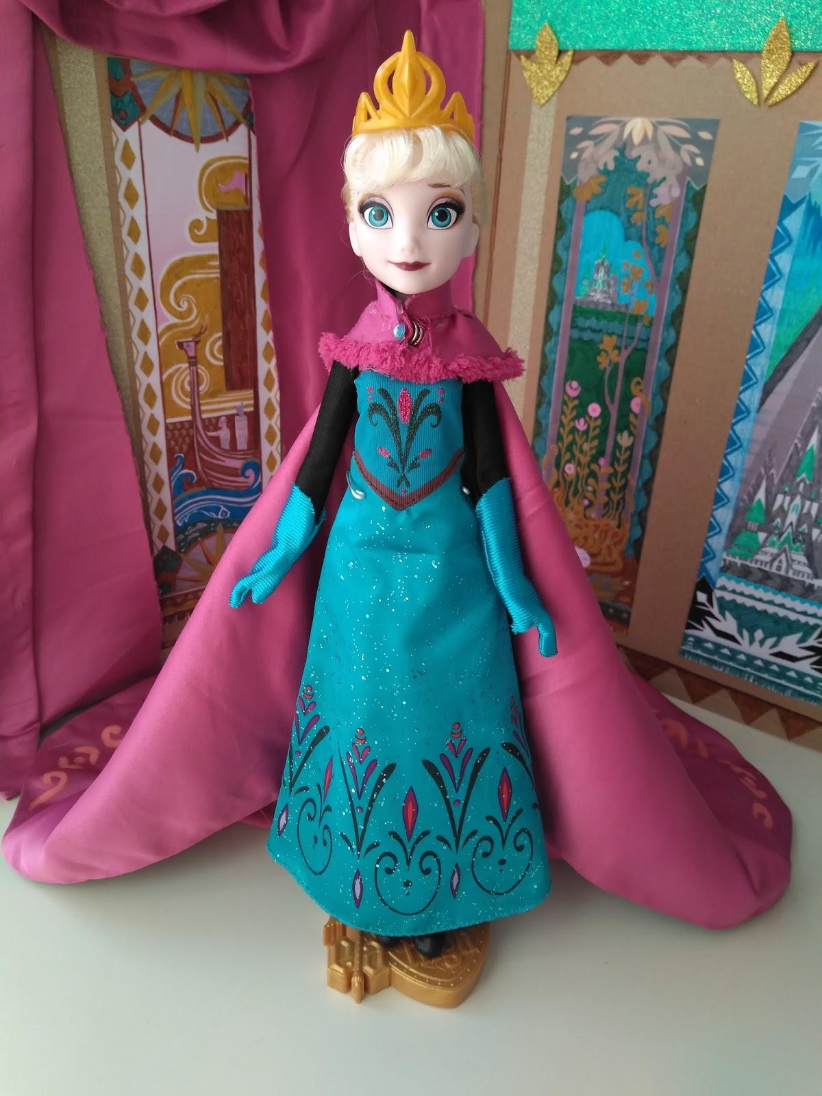 9937f8b0a3 La muñeca de Elsa sólo traía el vestido
