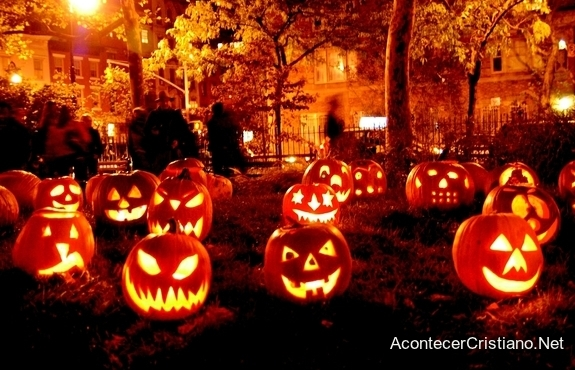 Celebración de Halloween en escuela