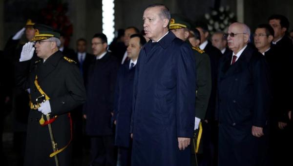Turquía continúa su purga: despide a más de 10.000 funcionarios