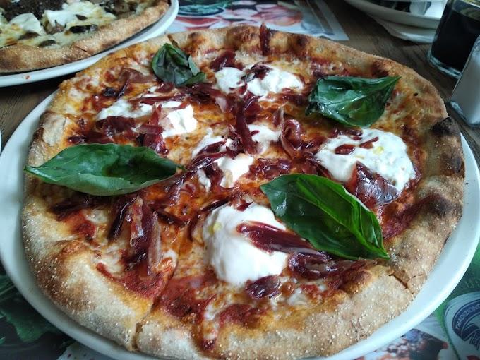Pizzas de masa de espelta ecológica, sanas y saludables, en OVEN
