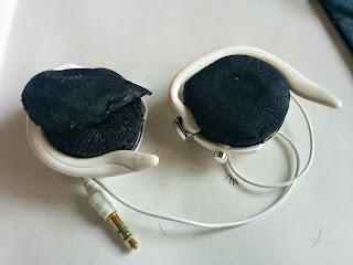 スポンジ(イヤーパッド/耳あて)が劣化したSonyのヘッドホン