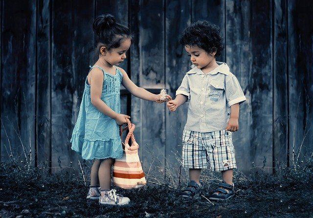 60 Frases  para niños de bondad sobre el cuidado de los demás