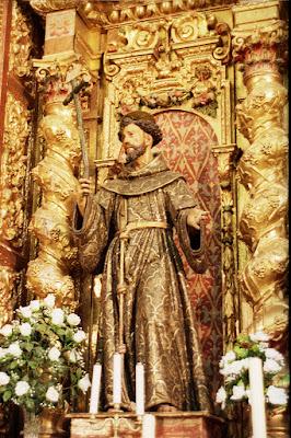 91f4ee761f5 La imagen se asimila a la talla de San Francisco que realizara su maestro  Montañés para el convento franciscano de Santa Clara en Sevilla entre 1625  y 1626.