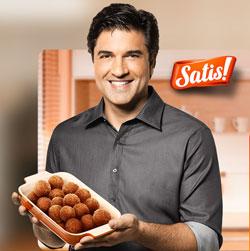 Edu Guedes no lançamento da Linha Satis Almôndegas. Foto do site Satis.