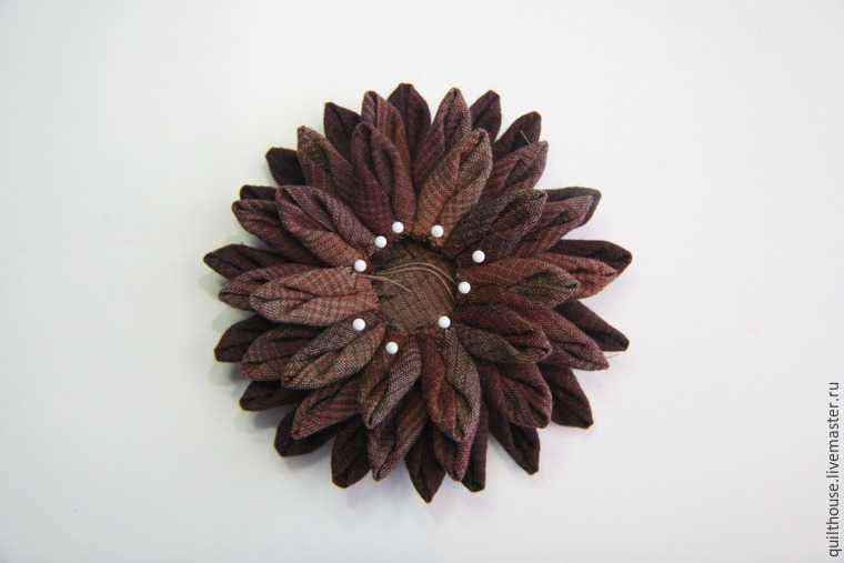 How to sew the Dahlia flower brooch. DIY Tutorial