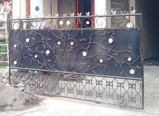 Bentuk pagar besi lama