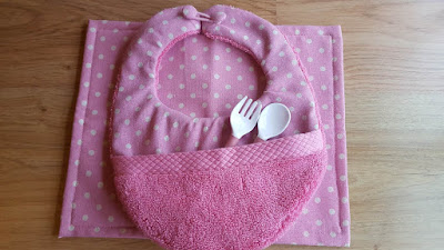 DIY Baby Bib with pocket - tutorial and pattern