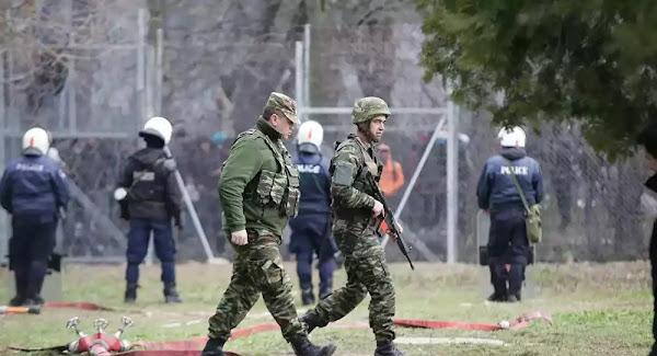 Έβρος: Μάχη στρατού και αστυνομίας για να αποτρέψουν την είσοδο σε σχεδόν 10.000 μετανάστες