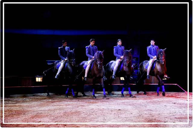 """cirque équestre """"Origines"""" d'Alexis Gruss"""