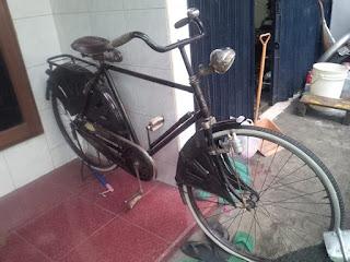 Lapak Sepeda Tua Unto Turonggo Lawasan
