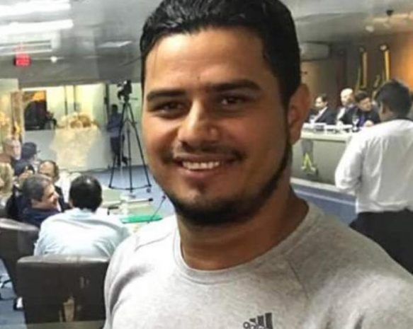 Suplente de vereador é assassinado a tiros na porta de casa na Paraíba