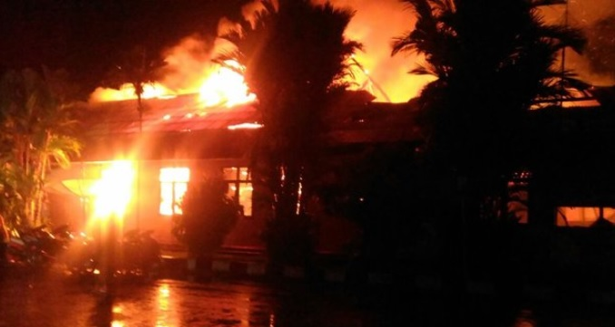 Pelaku Takbir Berulang Kali, Mapolres Dharmasyara Langsung Terbakar