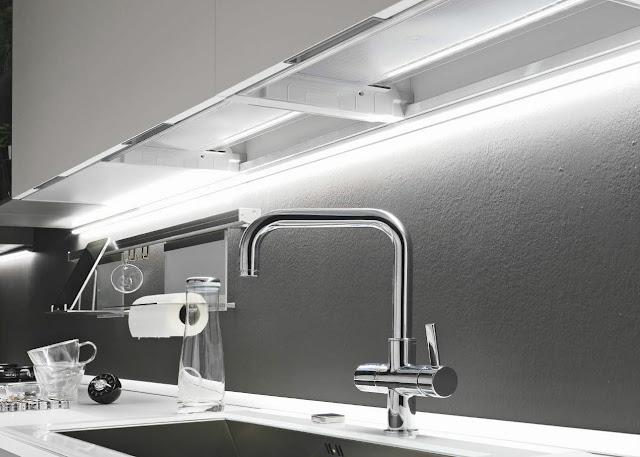 Illuminazione sottopensile cucina.