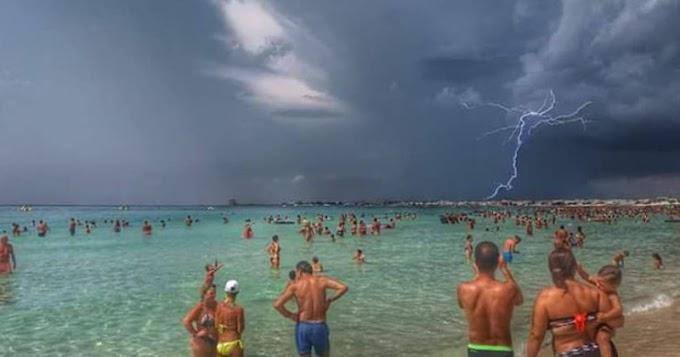 Fulmine colpisce una spiaggia nel Salento, quattro feriti, uno grave