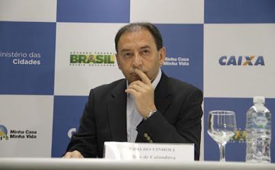 Justiça condena Vinholi a perda dos direitos políticos por 3 anos