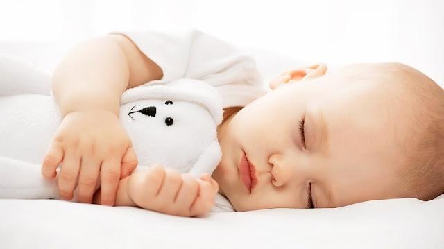 Waktu dan Pola Tidur Bayi yang Baik dan Berkualitas