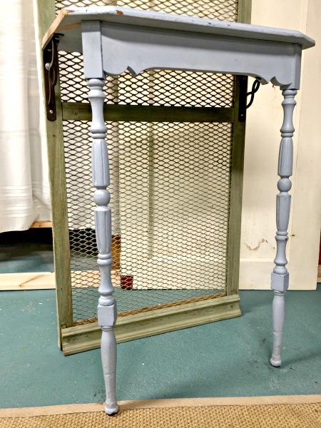 How to Make an Old Door Potting Bench www.homeroad.net