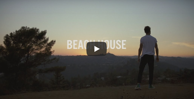 Video: The Chainsmokers – Beach House