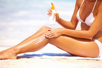 Comment bien protéger sa peau du soleil cet été