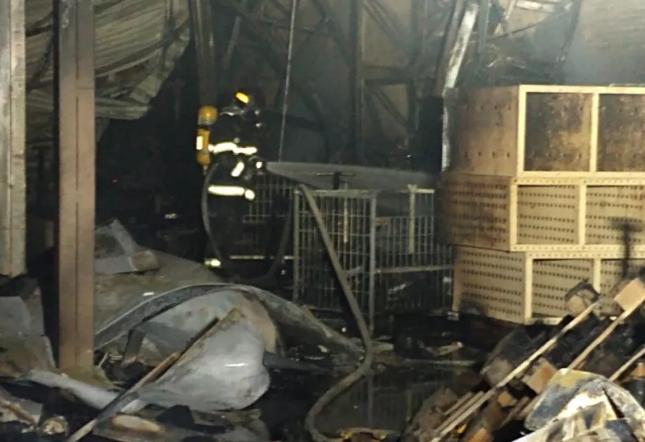 Prédio do Supermercado Maranhão em Catanduva pega fogo
