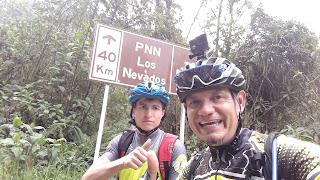 cerro guali en microbus con bicicletas