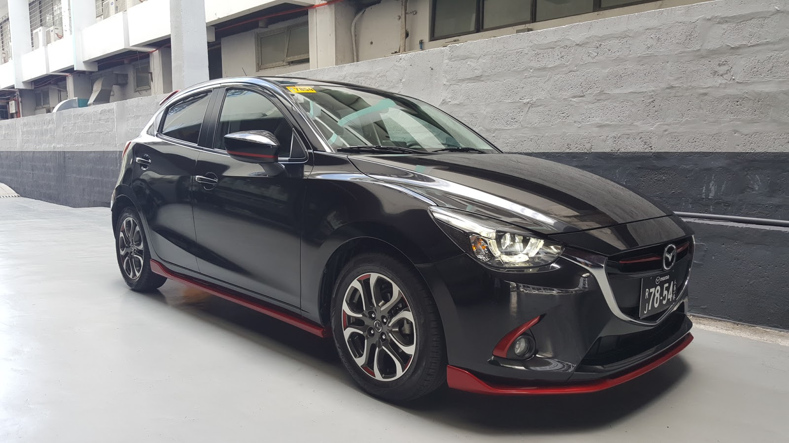 the 2017 mazda 2 zooms in with fuel efficiency and latest features beautiful life. Black Bedroom Furniture Sets. Home Design Ideas