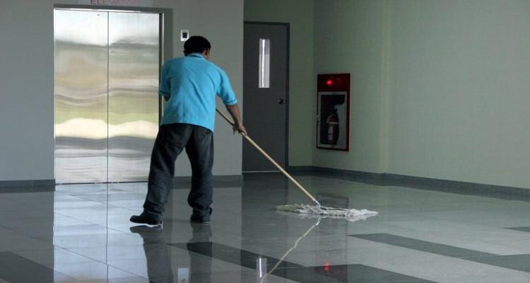 شاهد ماذا يفعل مسح البيوت بقليل من الملح …