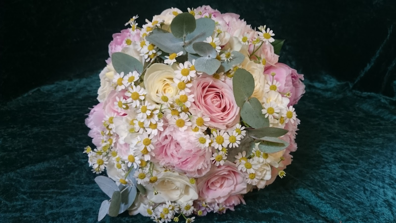 Sandras Flower Studio Peony Rose And Daisy Wedding Flowers