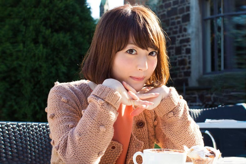 Kana Hanazawa on the Top of Fan Poll of Most Popular Voice Actresses