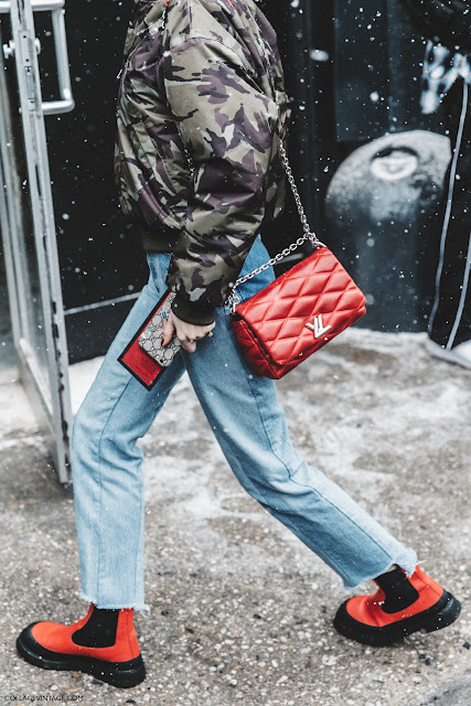 NYFW-New_York_Fashion_Week-Fall_Winter-17-Street_Style-Pernille_Teisbaek-Military_Trend-Bomber-Vetements_Jeans-Rainy_Boots-Red_Bag-2