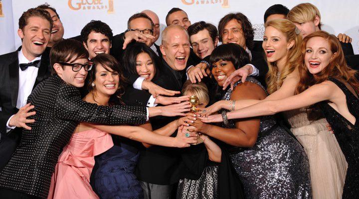 Ryan Murphy y el cast de 'Glee' en los Golden Globes, 2011